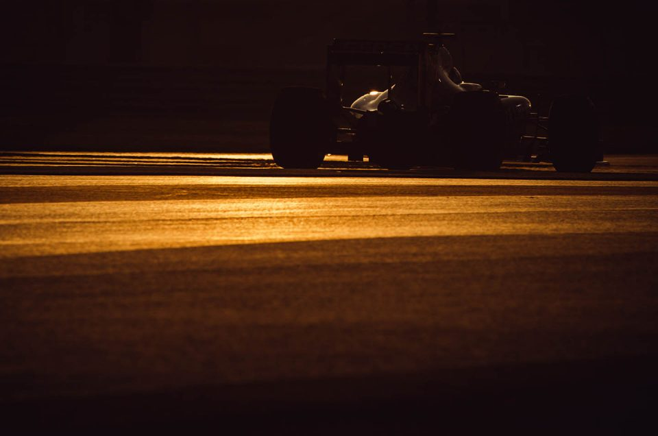 Photo of the day – Sunset at Abu Dhabi F1 GP